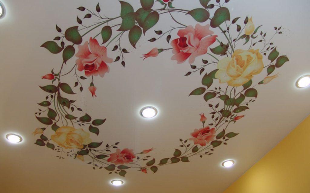 Натяжной потолок матовый с фотопечатью  16 кв.м. в спальне