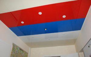 Натяжной потолок комбинированный спайкой в офисе 15,6 м2
