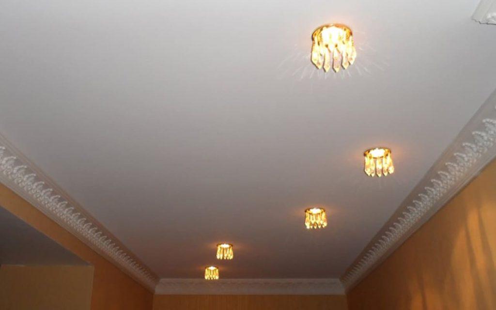 Натяжной потолок Cold Stretch в прихожей 3,7 м2