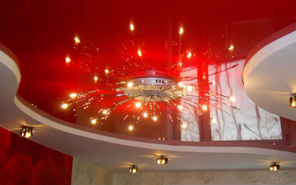 Двухуровневый натяжной потолок в гостиную 25,8 кв.м