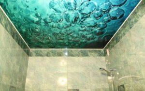 Натяжной потолок с фотопечатью в ванной 2,75 м2