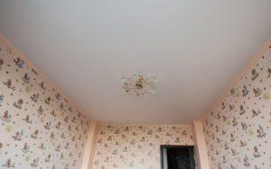 Натяжной потолок матовый в детской 13 кв.м.