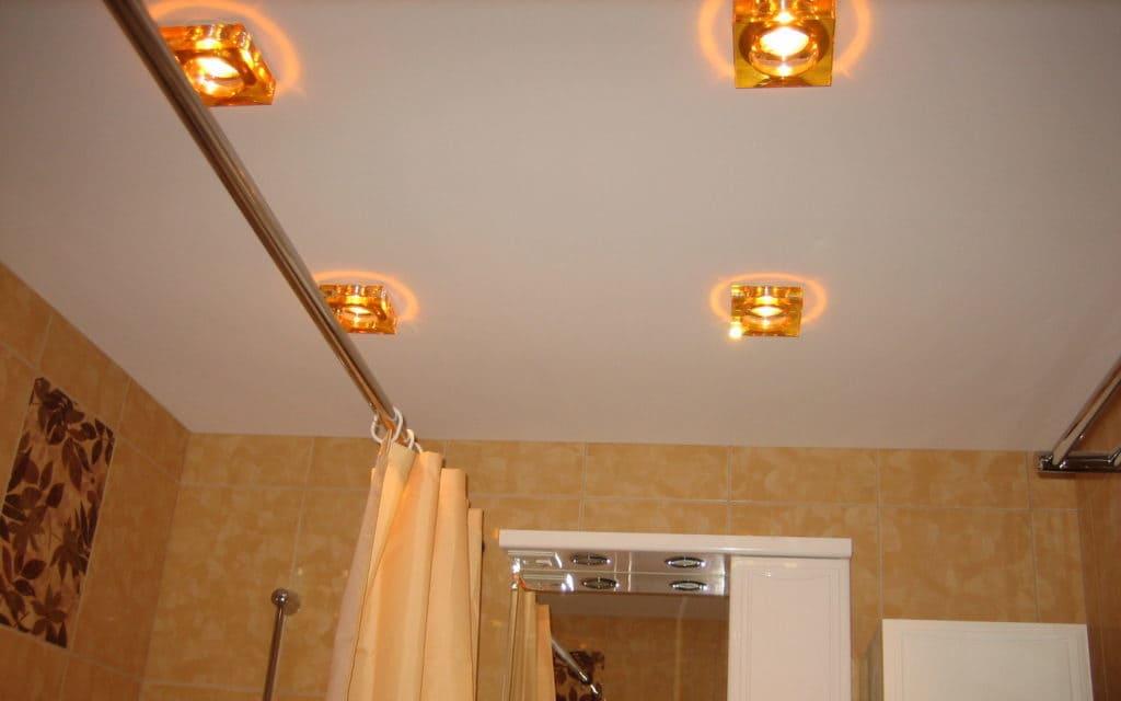 Натяжной потолок тканевый в ванной 2,9 м2